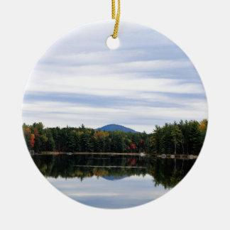 Ornement Rond En Céramique Lac Millinocket de montagne de Kellogg