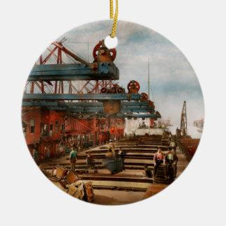 Ornement Rond En Céramique Le commerce - c'est minerai de fer qu'il n'est
