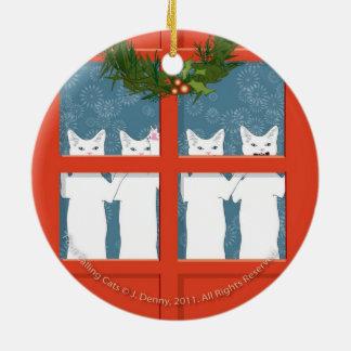 Ornement Rond En Céramique Le double appelant de quatre chats… a dégrossi