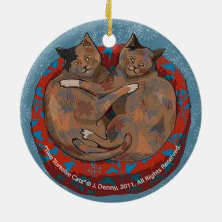 Ornement Rond En Céramique Le double de deux chats d'écaille… a dégrossi