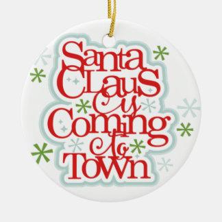 Ornement Rond En Céramique Le père noël vient à Noël de ville