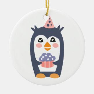 Ornement Rond En Céramique Le pingouin avec la partie attribue génial stylisé