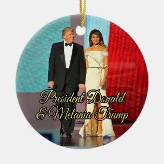 Ornement Rond En Céramique Le Président Donald Trump et photo de Melania