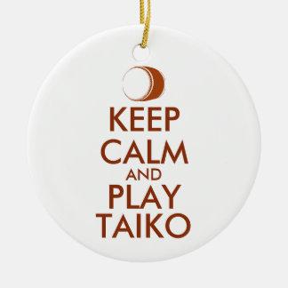 Ornement Rond En Céramique Les cadeaux de Taiko gardent la coutume de tambour