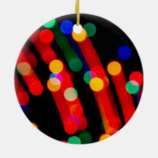 Ornement Rond En Céramique Les lumières de Noël de Bokeh avec la lumière