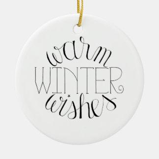 Ornement Rond En Céramique L'hiver chaud souhaite l'ornement de Noël