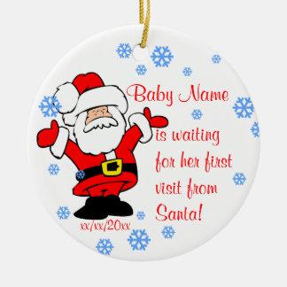 Ornement Rond En Céramique L'ornement personnalisé premier par Noël du bébé