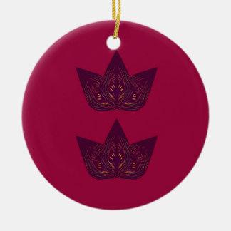 Ornement Rond En Céramique Lotus sur le rouge