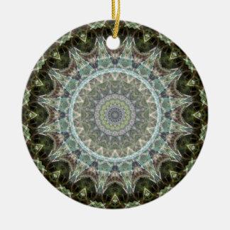 Ornement Rond En Céramique Mandala vert givré de feuille