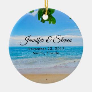 Ornement Rond En Céramique Mariage tropical d'île de vacances de plage
