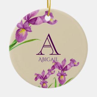 Ornement Rond En Céramique Monogramme floral botanique d'iris pourpre