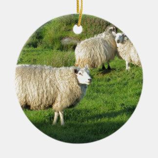 Ornement Rond En Céramique Moutons irlandais