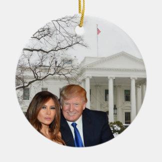 Ornement Rond En Céramique Noël d'atout : Donald et Melania