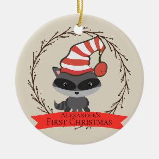 Ornement Rond En Céramique Noël du bébé de raton laveur de créature de région