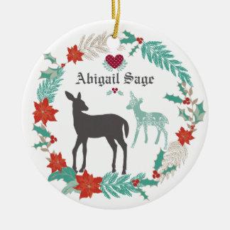Ornement Rond En Céramique Noël personnalisé du bébé de cerfs communs et de