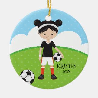 Ornement Rond En Céramique Noël personnalisé par football mignon de fille de