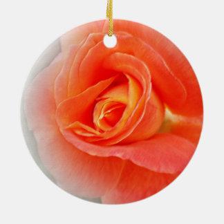 Ornement Rond En Céramique nuances de rose en pastel