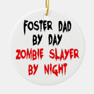Ornement Rond En Céramique Papa adoptif de tueur de zombi