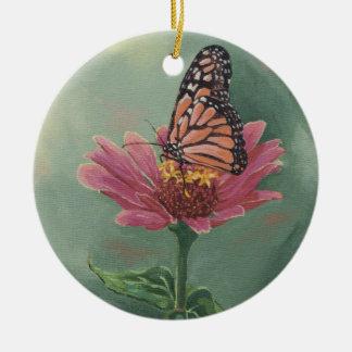 Ornement Rond En Céramique Papillon de monarque 0465 sur le Zinnia