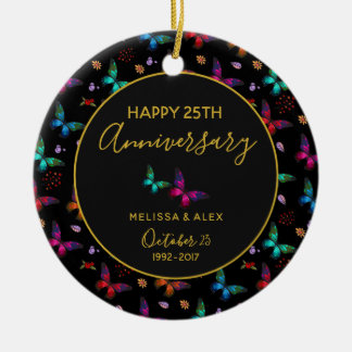 Ornement Rond En Céramique Papillons colorés élégants sur l'anniversaire noir