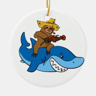 Ornement Rond En Céramique Paresse de plouc montée sur le requin