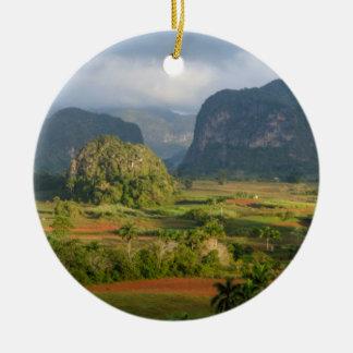 Ornement Rond En Céramique Paysage panoramique de vallée, Cuba