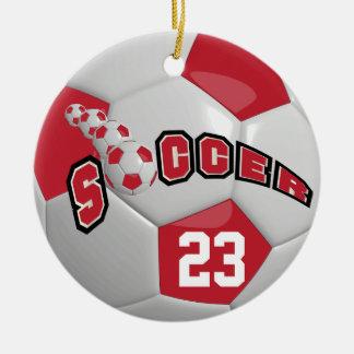 Ornement Rond En Céramique Personnalisez le ballon de football | rouge foncé
