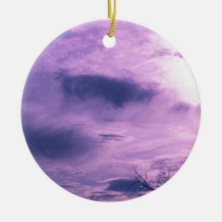 Ornement Rond En Céramique Photo pourpre de ciel