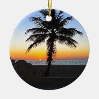Ornement Rond En Céramique Plage de sable de ciel de palmier d'aube d'aube de
