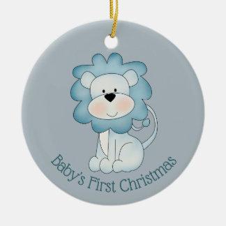 Ornement Rond En Céramique Premier Noël du bébé - lion (bébé)