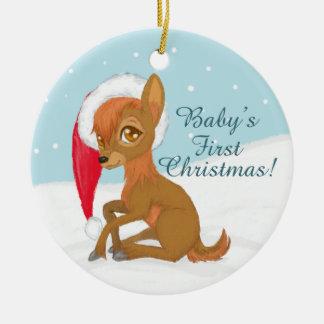 Ornement Rond En Céramique Premier Noël du bébé (renne)