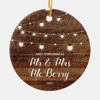 Ornement Rond En Céramique Premier Noël rustique comme M. et Mme Ornament