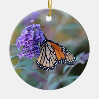 Ornement Rond En Céramique Profil de papillon de monarque