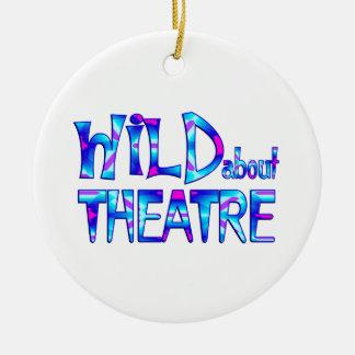 Ornement Rond En Céramique Sauvage au sujet du théâtre