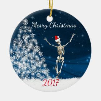 """Ornement Rond En Céramique Squelette avec le casquette """"Noël 20xx """" de Père"""