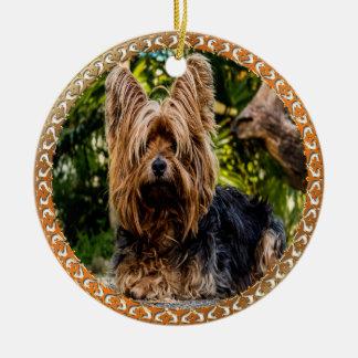 Ornement Rond En Céramique Terrier brun et noir de Yorkshire adorable