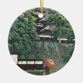 Ornement Rond En Céramique Tour d'Udo, château de Kumamoto sous la pluie -
