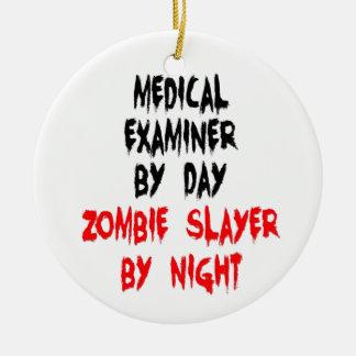 Ornement Rond En Céramique Tueur de zombi de médecin examinateur