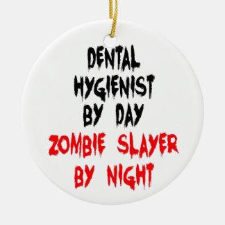 Ornement Rond En Céramique Tueur de zombi d'hygiéniste dentaire