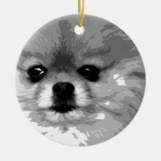 Ornement Rond En Céramique Un Pomeranian noir et blanc