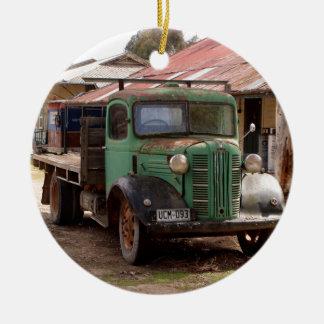 Ornement Rond En Céramique Vieux camion vert