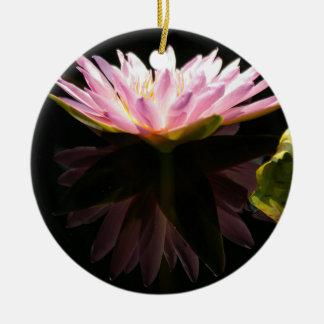 Ornement rose de nénuphar de Lotus
