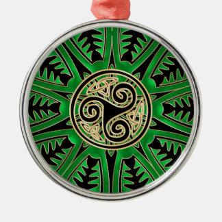 Ornement vert irlandais de Triskele de Celtic de