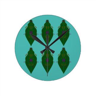 Ornements de luxe verts horloge ronde