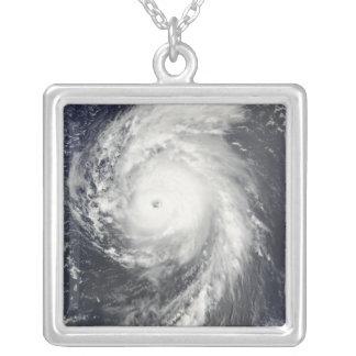 Ouragan Bill outre des Antilles Collier