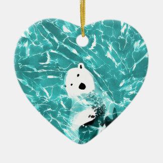 Ours blanc espiègle dans la conception de l'eau de ornement cœur en céramique