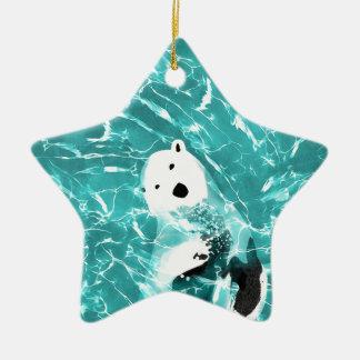 Ours blanc espiègle dans la conception de l'eau de ornement étoile en céramique