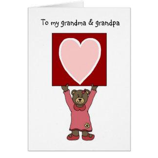 ours de fille de valentine tenant la carte pour