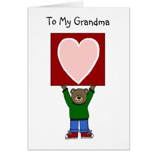 ours de garçon de valentine tenant la carte pour l