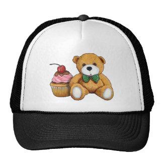 Ours de nounours avec le petit gâteau rose, casquettes de camionneur